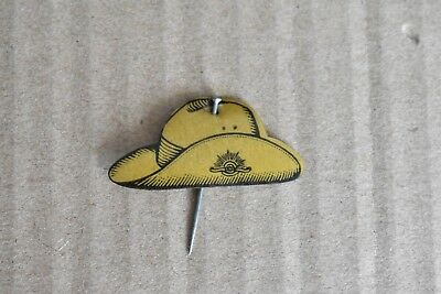 WW11 Celluloid Slouch Hat Anzac Appeal Badge