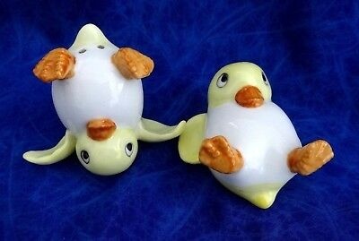 Vintage Salt & Pepper Shakers Two Baby Ducks They Actually Stand As Is Showing
