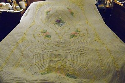 Vintage Large Full Size Geometrical Yellow White With Flowers Chenille Blanket