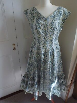 Original vintage 1950s dress. Handmade. Size 12/14