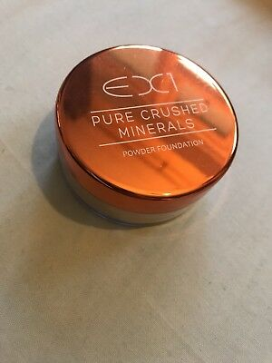 Ex1 Pure Crushed Minerals Powder Foundation - Shade M200