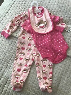 Baby States BNWT Age 6-9 Months Baby Grow Set