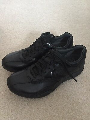Clarks Walking Shoes, New, Adult Size 3, Black Leather.