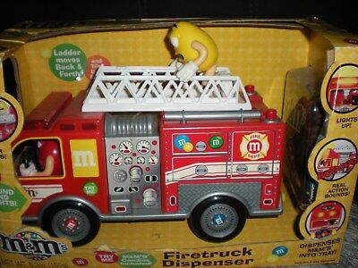 M&ms Firetruck Candy Dispenser 2011 Lights And Sounds M&m's Candy Collectible