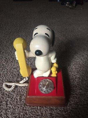 Vintage Snoopy and Woodstock Rotary Dial Phone 1976
