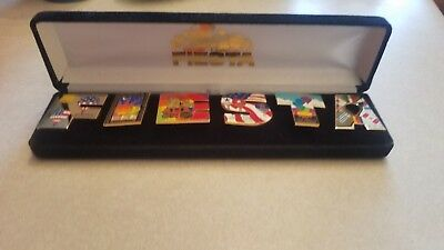 Albuquerque International Balloon Fiesta pin set in velvet box 2002