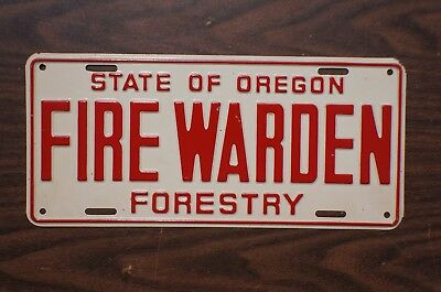 1940's Oregon State Dept of FORESTRY License Plate - FIRE WARDEN