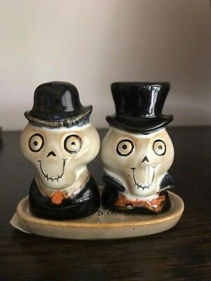 Yankee Candle 2010 Boney Bunch Salt & Pepper Shakers