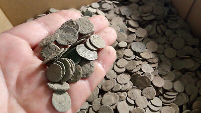 Roman Empire - Large collection of 60 Roman bronze coins - not cleaned