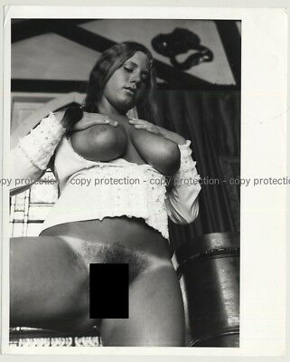 Busty Russ Meyer Style Nude / Tan Lines (Vintage Photo Master 1970s)
