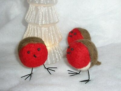 3 x HANDCRAFTED NEEDLE FELTED CHRISTMAS ROBINS BIRDS DECORATIONS
