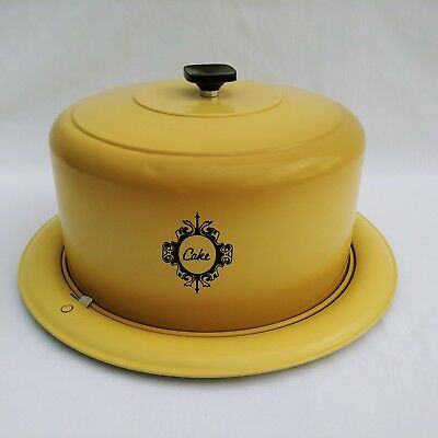 West Bend Cake Carrier Vintage 1970s Locking Cover USA Made