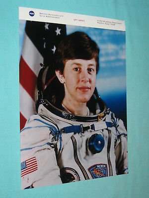 Original NASA 8x10 Photo MIR SPACE STATION MISSION SPECIALIST WENDY LAWRENCE 208