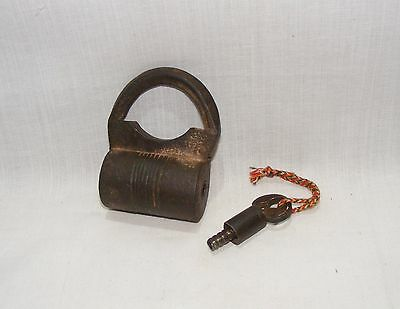 Old Vintage Handcrafted Unique Iron  Pad Lock With Original Key 01
