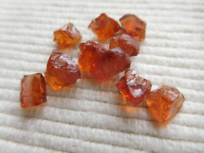 Lot Cristaux Naturel Origine Madagascar 11.75 Carats Grenats Spessartite C74