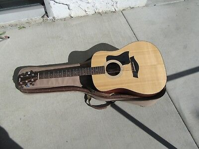 Taylor 100 110e Acoustic/Electric Guitar With Taylor Gig Bag
