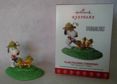 Hallmark ornament 2017 Flag Folding Ceremony, Snoopy & Woodstock Boy Scouts