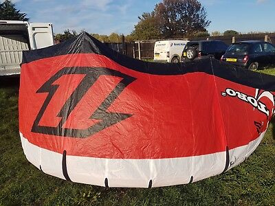 Two Kitesurfing kites north 10m and 14m kite plus bar and Lines and pump