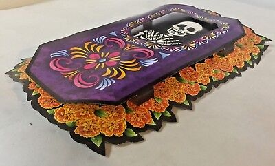 Day of the Dead, Dia de los Muertos, 3-Dimensional!  coffin with skeleton