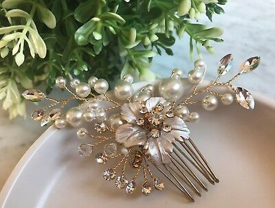 Bridal Headpiece / Hair Comb with Flowers, Rhinestone and Pearl