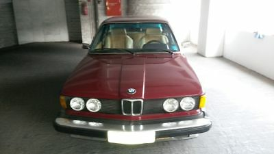 1976 BMW 3-Series  Classic 1976 4-cylinder BMW 320i 109Hp, manual gear, US specifications