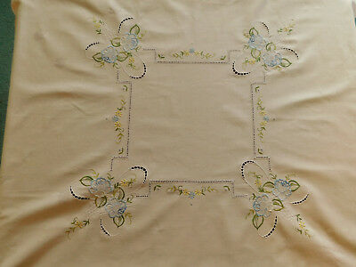 Vintage tablecloth pink embroidered flowers small square serviettes 4 person