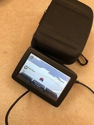 Tom Tom model 4EN42 Z1230 excellent condition GPS with charger and case