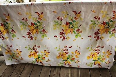 Bright Vintage Fall Autumn Leaves Print Tablecloth