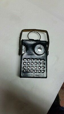 SMALLEST GENERAL ELECTRIC 1960s  MODEL P85O B TRANSISTOR RADIO ( FREE SHIPPING )