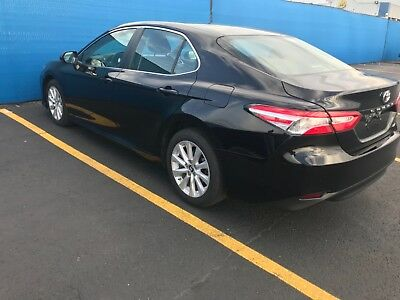 2018 Toyota Camry  Toyota Camry 2018 LE 9000 miles
