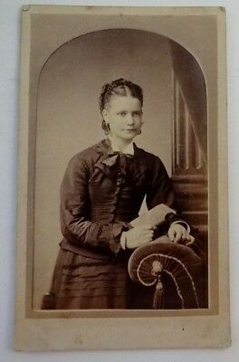 1860s ANTIQUE PHOTOGRAPH OF A YOUNG LADY -PHOTOGRAPHER HENRY JONES ADELAIDE