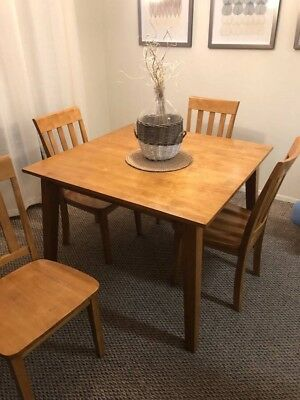 Jofran Simplicity Honey Square Dining Table & 4 Chairs BARELY USED LOCAL PICKUP