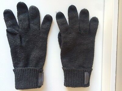 FRENCH CONNECTION Grey Acrylic Gloves w/ Touch Sensitive Fingertips - One Size