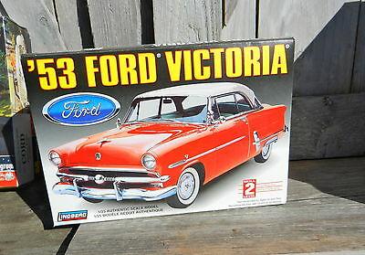 Lindberg 1953 Ford Crestline Victoria Hardtop 1/25Th Scale Plastic Model Kit