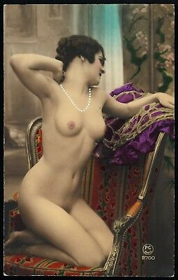 1910 Original French Tinted RPPC Full Nude Voluptuous Girl On Sofa Beauty