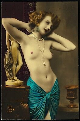 1910 Original French Tinted RPPC Nude Voluptuous Girl Beauty Posing