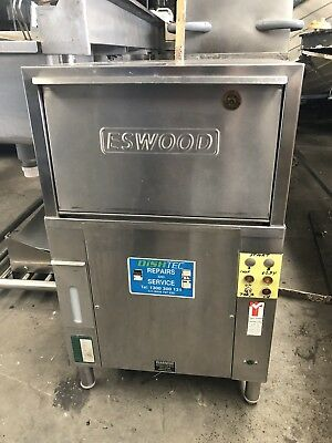 Eswood Glasswasher In Good Condition High Performance