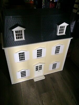 large doll house As New