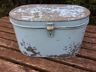 Vintage Style Distressed Hat Box Storage Tin Home Decour Shop Display Prop