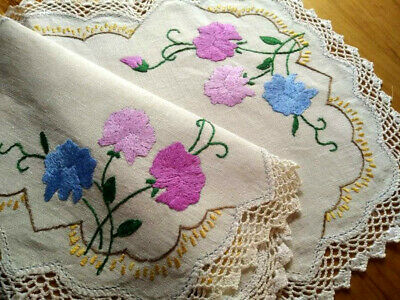Stunning Sweetpea Flowers ~ Vintage Hand Embroidered Centrepiece