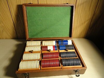 Vintage 244 Horse Racing Poker Chips & 64 Knights & Plain Chips & Case Preowned