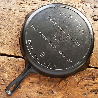 Vintage GRISWOLD Cast Iron SKILLET Frying Pan # 9 VICTOR - Ironspoon