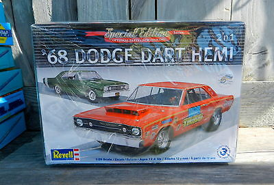 REVELL 1968 DODGE DART HEMI STOCK/DRAG 1:25th SCALE PLASTIC MODEL 440 & 426 HEMI