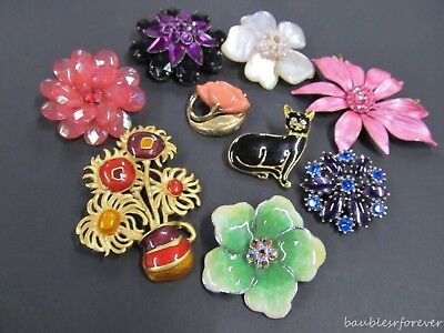 Vintage LOT 9 Colorful Enamel Lucite Flower Power PINs Avon & More Retro Fun!