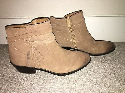 Womens Sofft Brown Suede Leather Ankle Boots Booties Sz 8 Fringe
