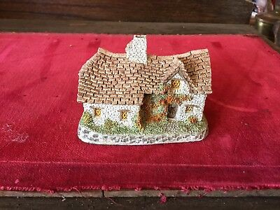 "David Winter ""Sussex Cottage"" House - Hand Made & Painted In Great Britain"