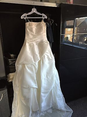ronald joyce wedding dress And Wrap  Size 14 In Label But I'd Say It's A 12