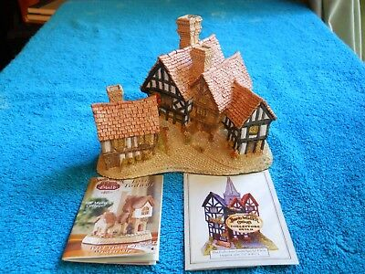 David Winter Stratford House 1981 Hand Made & Painted John Hine Studio Beautiful