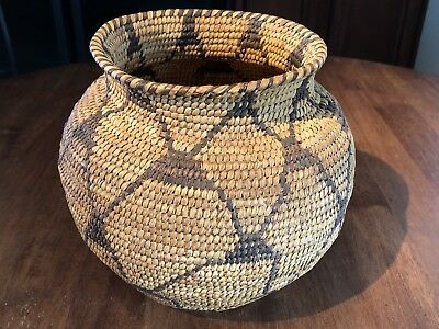 Early 20th Century Southern AZ Papago Yucca Leaf Basket-Excellent