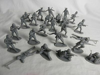 AIRFIX WWII GERMAN Toy Soldiers - COPIES - (54MM) 24 in 12 Poses - NEW